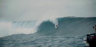 Kelly Slater beim XXL-Swell in Cloudbreak