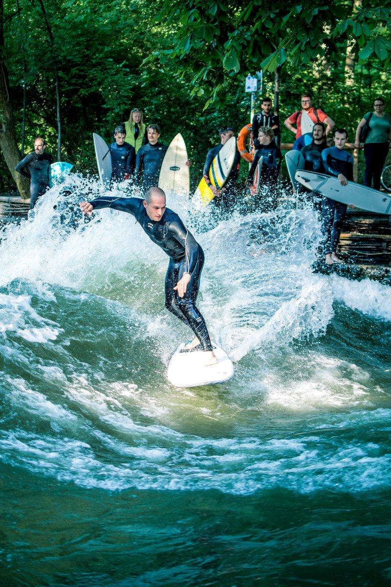 Welches Surfboard für verschiedene Flusswellen? Empfehlungen für Surfen an der Eisbachwelle in München
