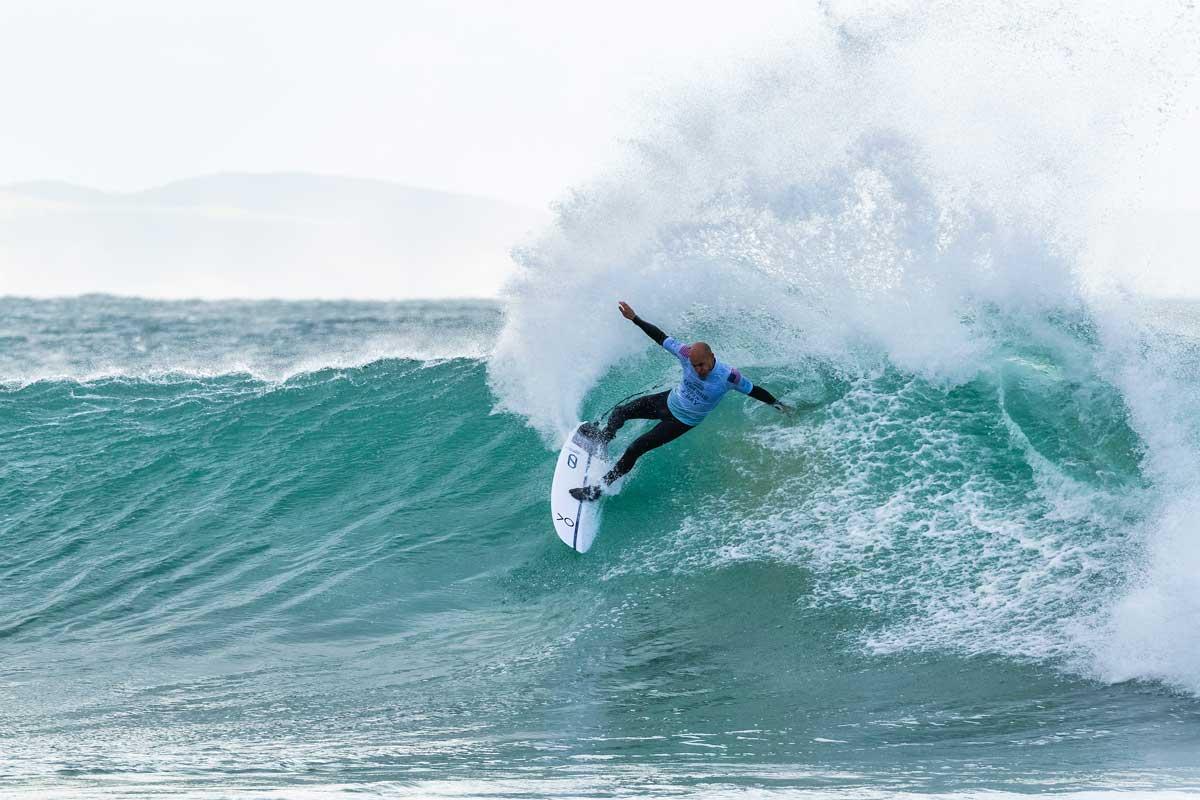 Kelly Slaters Surfen reichte in Runde 1 nicht aus.