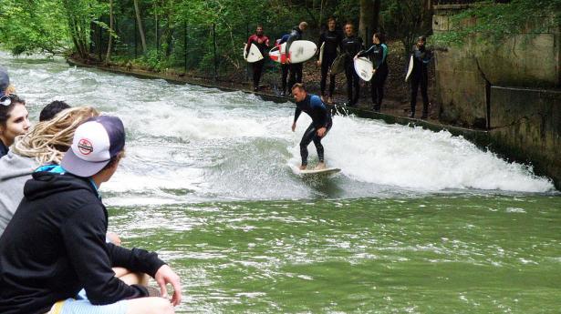 Welches Surfboard für verschiedene Flusswellen? Empfehlungen für die kleine Eisbachwelle oder eben E2