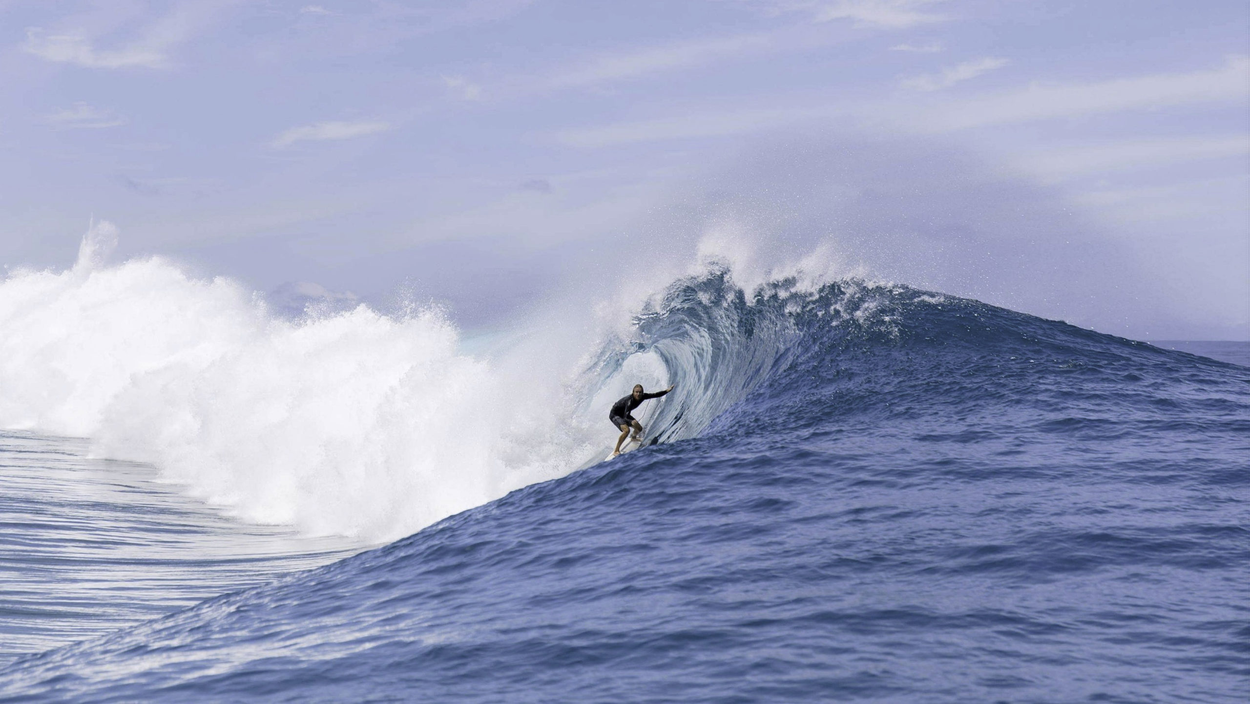 Mick Hoult in Teahupoo