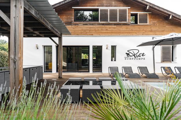 Pure Surfcamps eröffnet 1. Premium Surflodge in Frankreich